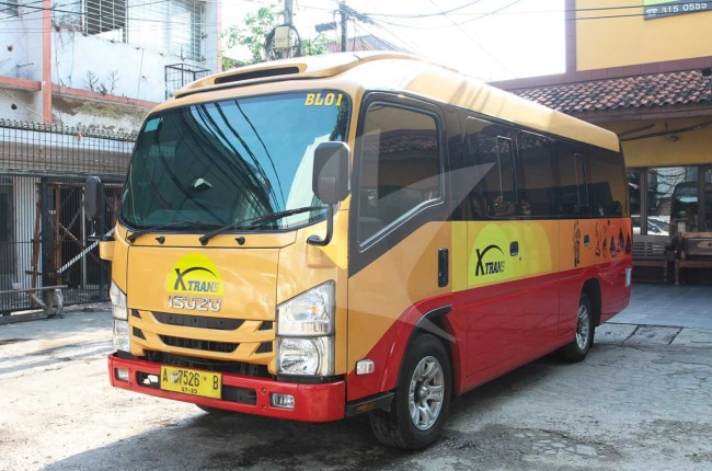 X-Trans Shuttle - Travel Semarang Solo